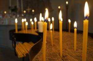 Fürbitten Hochzeit: Mit Kerzen bitten